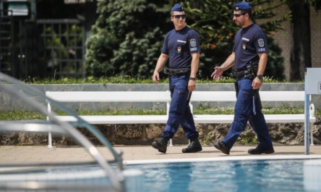 Police holds preventive event at Várkert Thermal Bath