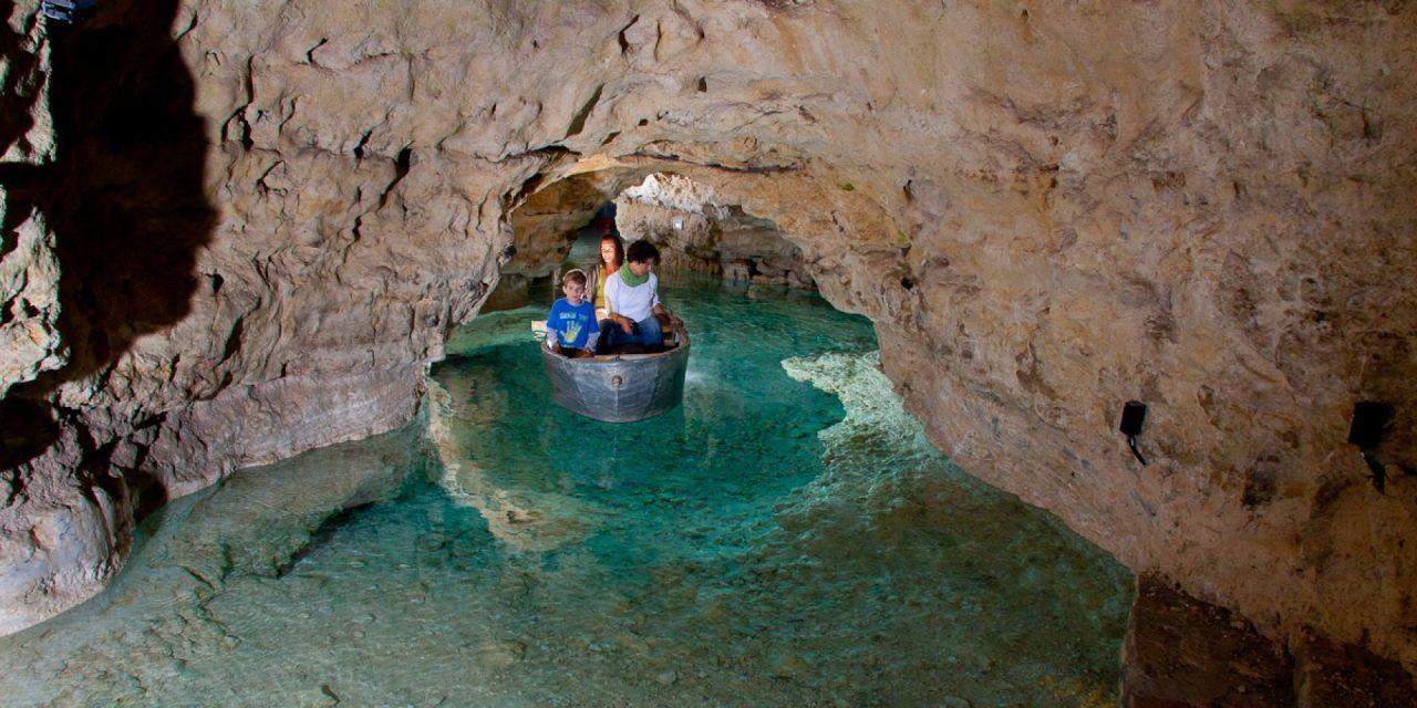 #Daytripideas – Tapolca Lake Cave