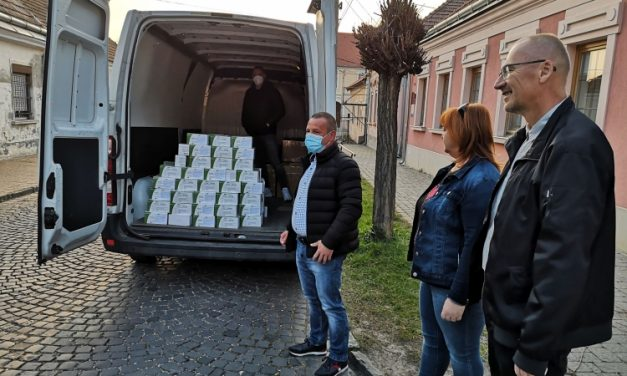 Community donations have bought 10000 masks
