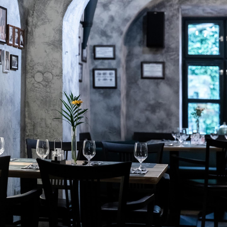 Oliva Restaurant and Hotel