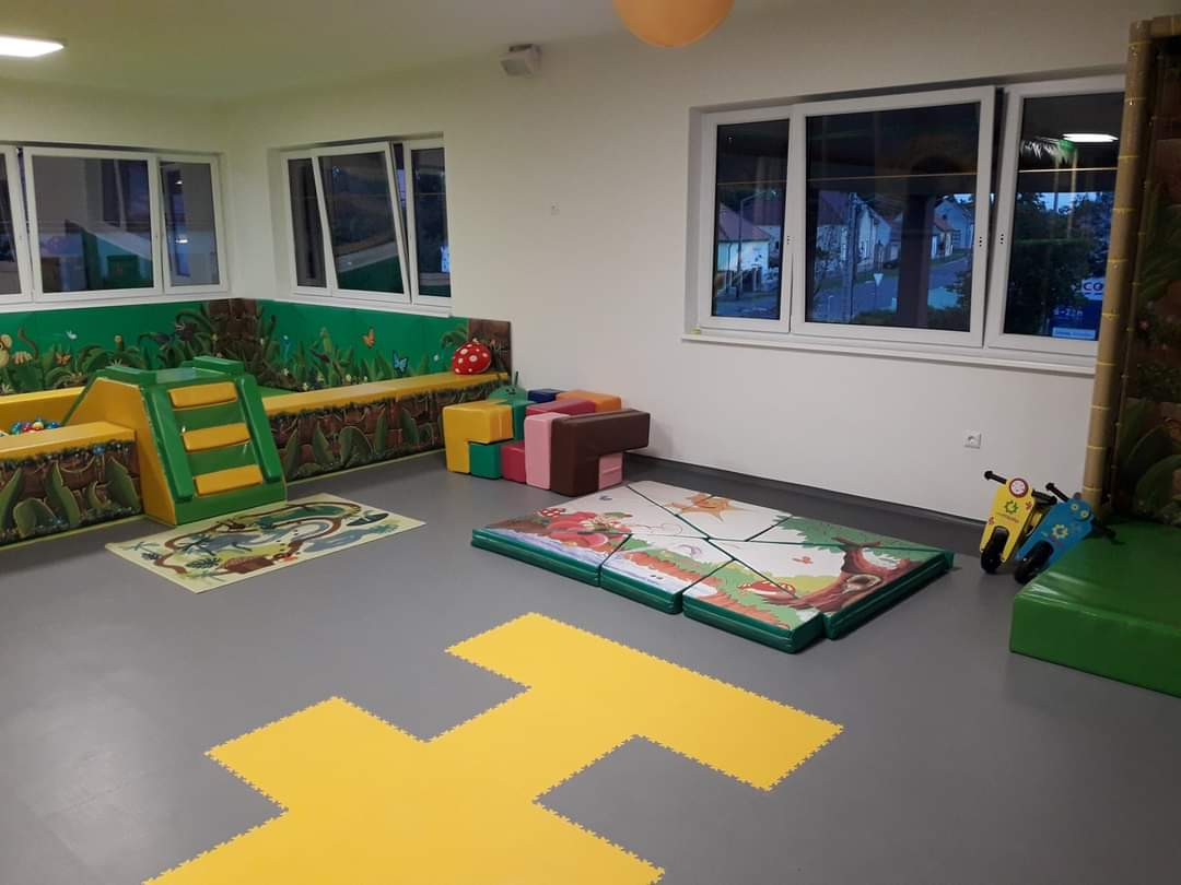 Indoor Playhouse (Csipi Csu-Pi) Celldömölk